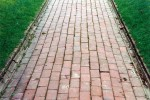 Stretcher brick paving