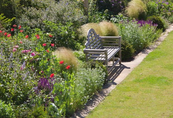 Garden Design |Bench | Flower Bed