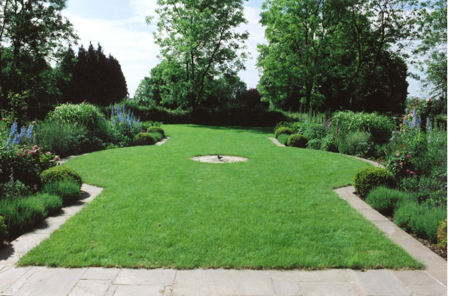 double borders with circular lawn - Garden Design Circular Lawns
