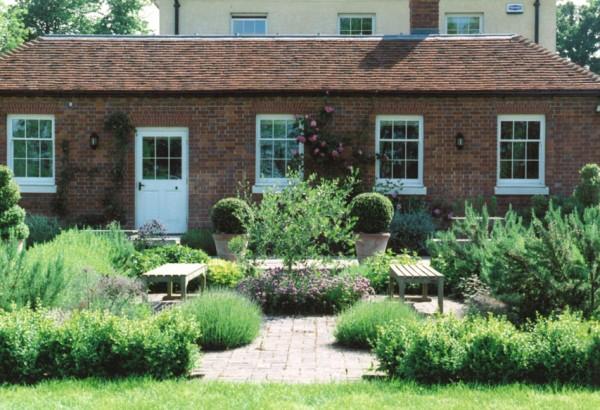 Garden designer in kent sussex and london garden for Garden design kent